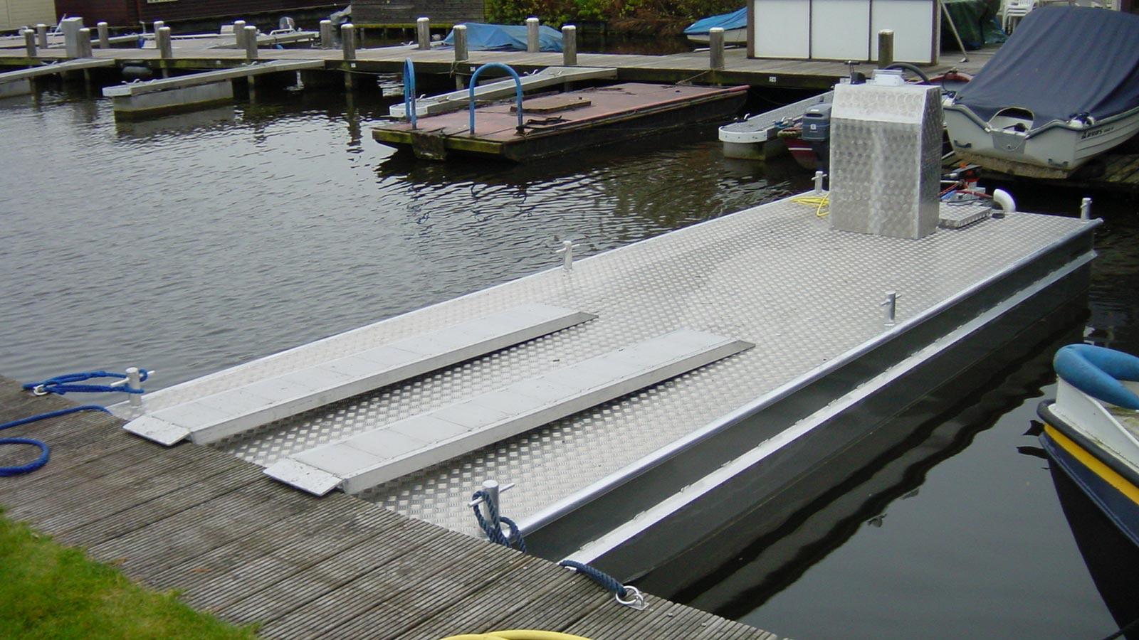 AluminiumJon.nl - Ponton 6 meter - Werkpontons van 3, 4, 6, 8 en 14 meter van aluminium.