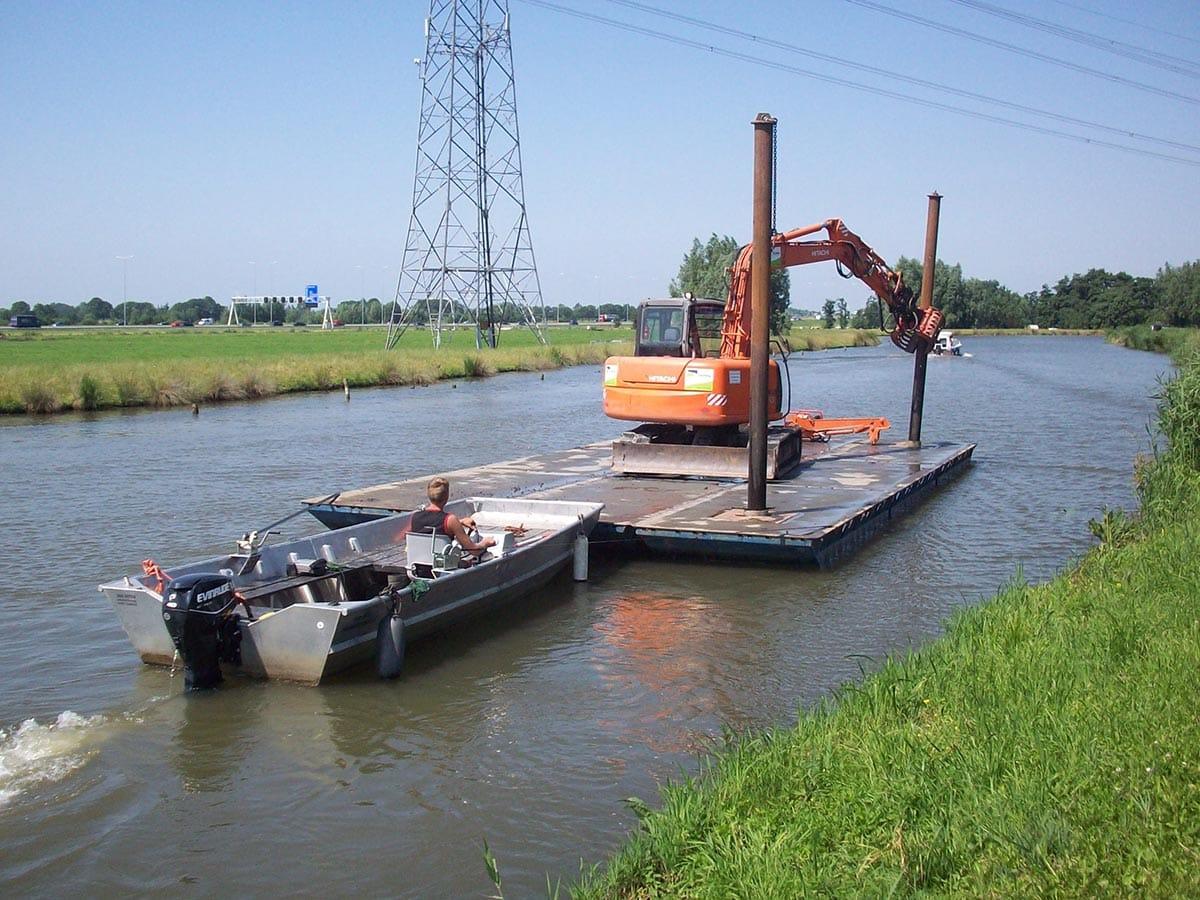 AluminiumJon.nl - Jon 622 - Heavy Duty - Aluminium (werk)boot van 6 meter geschikt voor het duwen van zware pontons