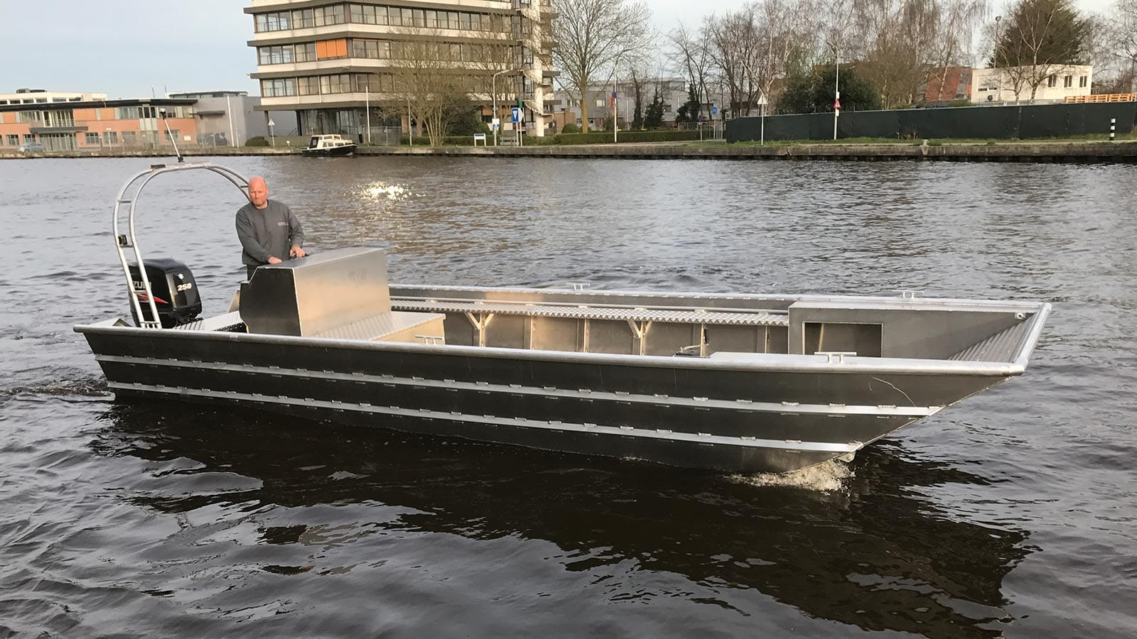 AluminiumJon.nl-Jon 826-Aluminium work boats-suitable for displacement equipment