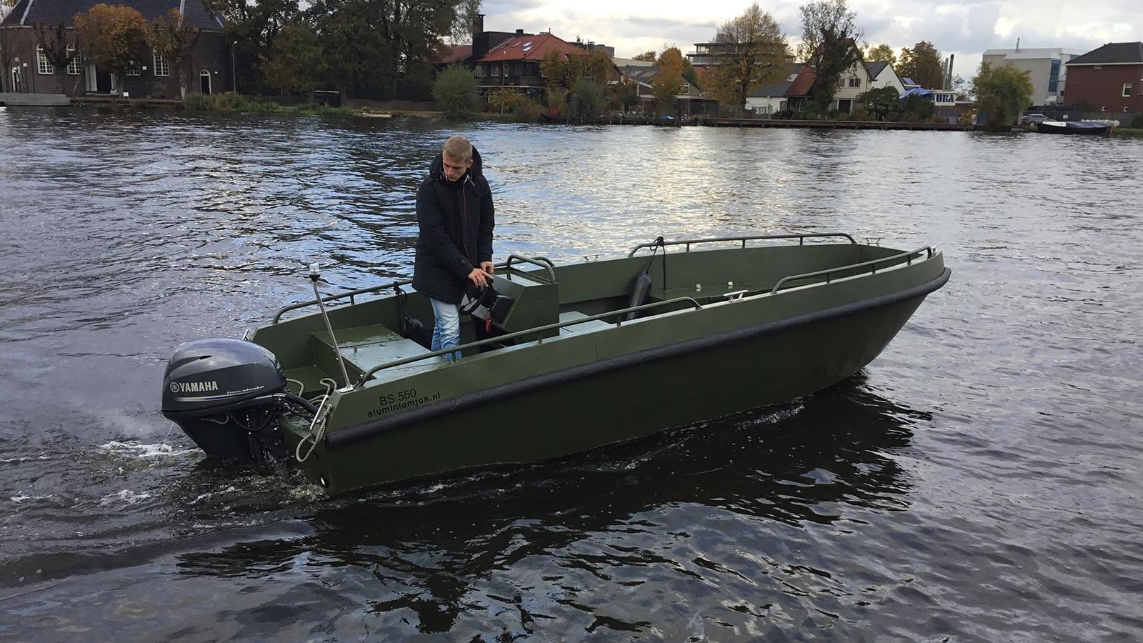 AluminiumJon.nl-Bs 600-with Yamaha outboard motor