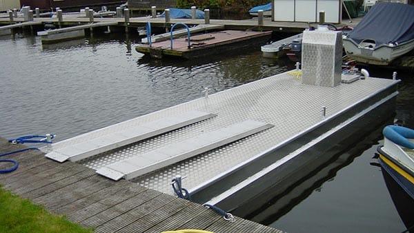 AluminiumJon.nl - Ponton 6 meter - Aluminium boten op maat en werkpontons
